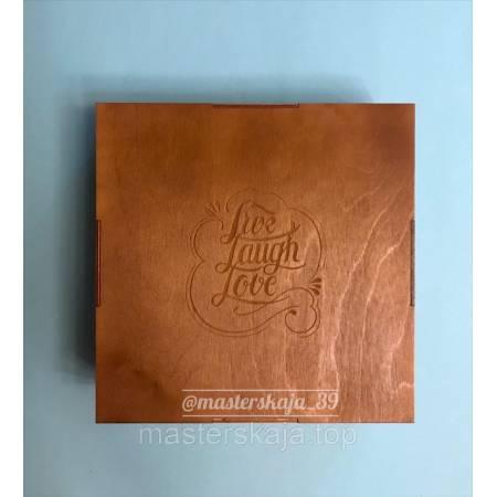Коробка деревянная квадратная