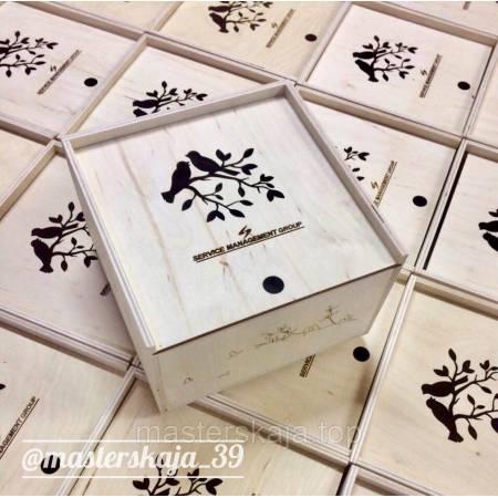 Коробка-пенал деревянная квадратная